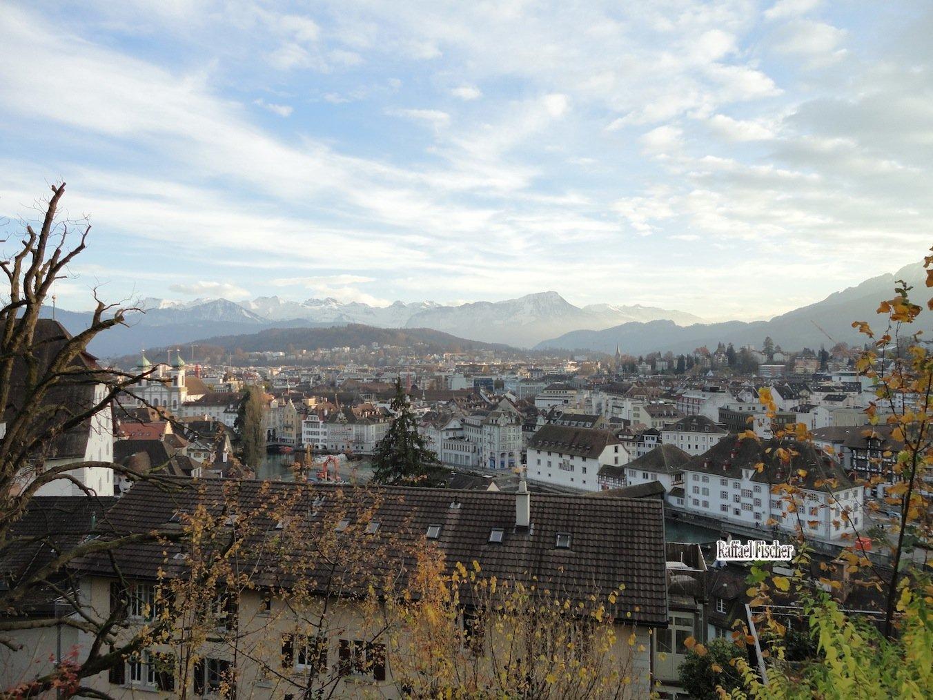 Luzern von oben mit Bergsicht