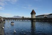Kapellbrücke und Bergpanorama