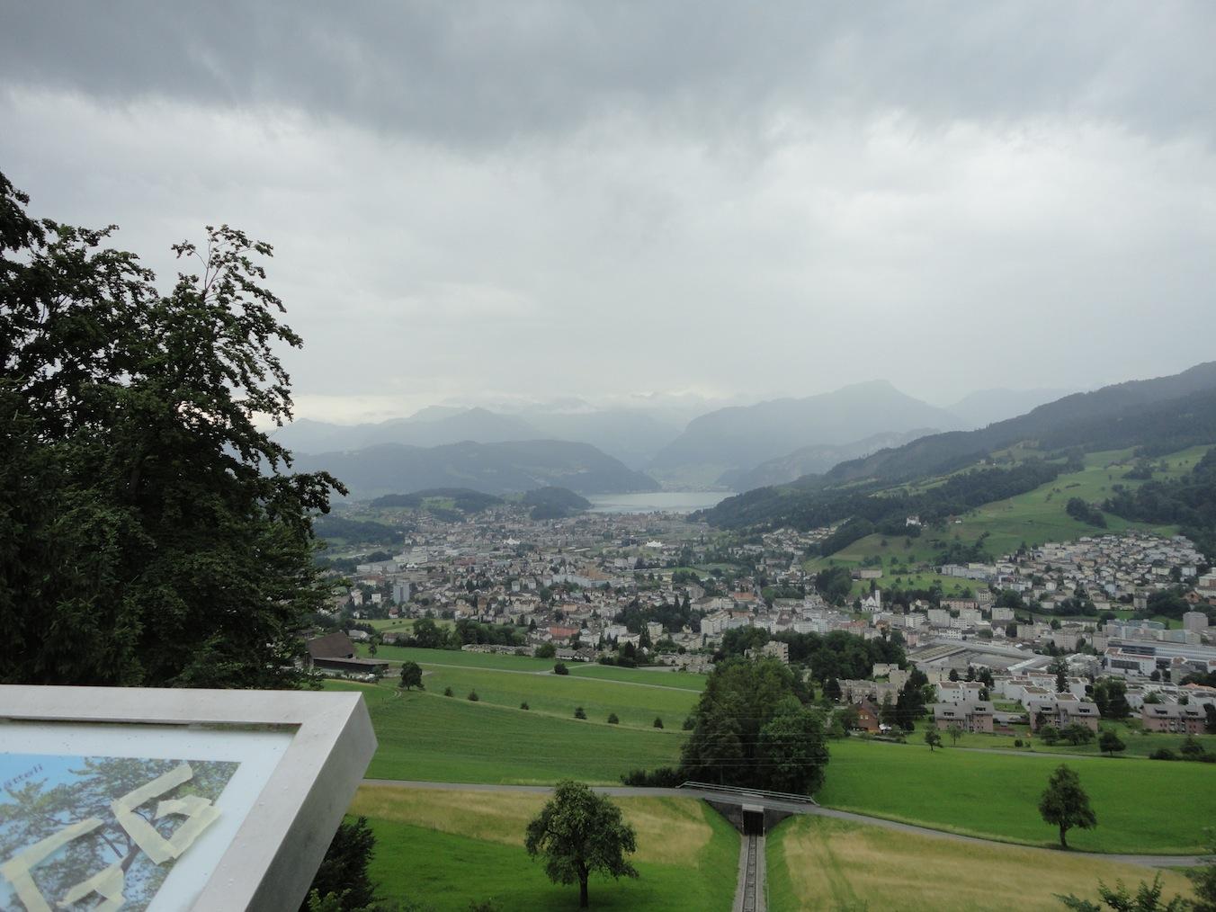 Sicht vom Sonnenberg auf Kriens und See