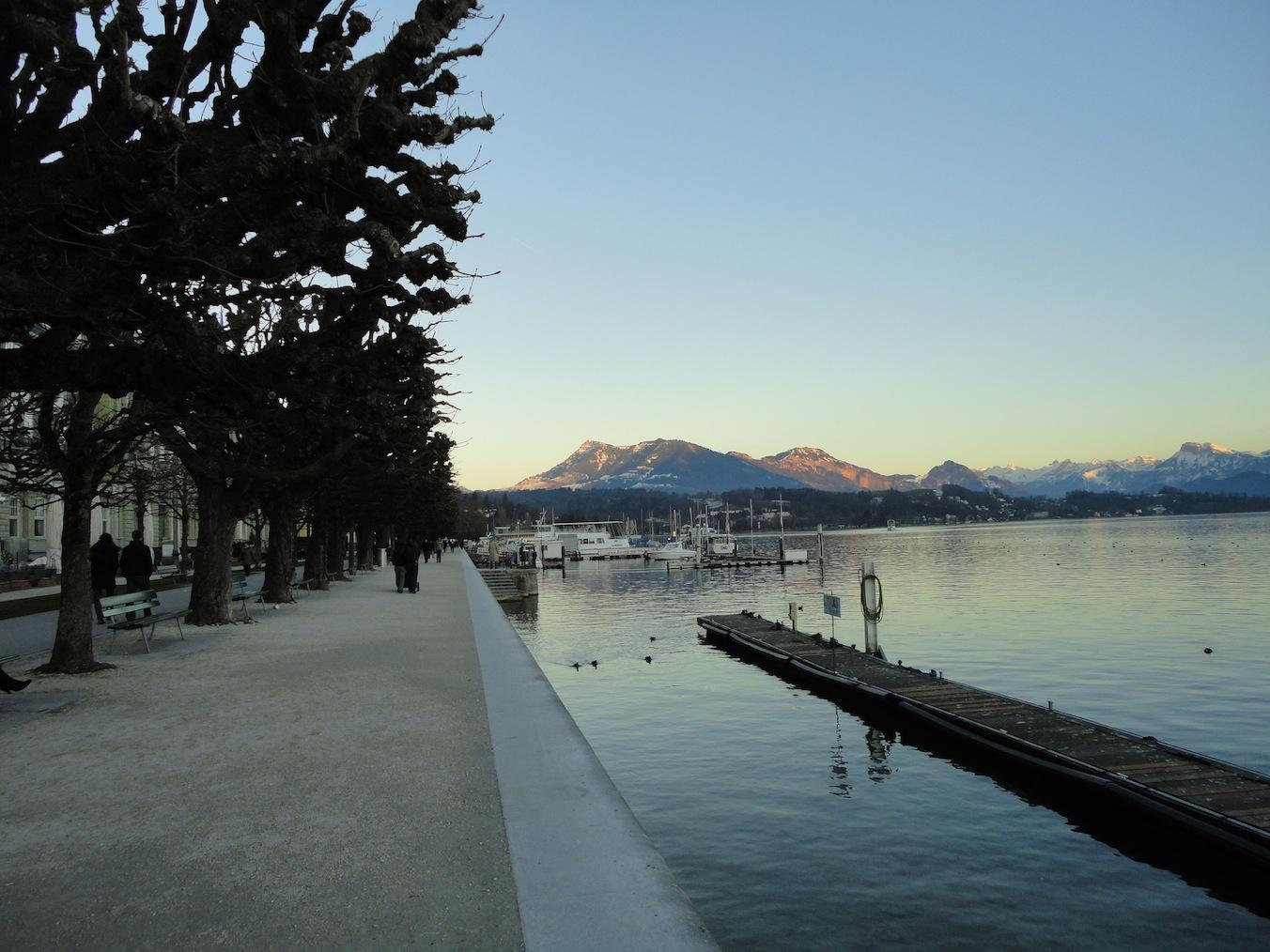 Schweizerhofquai mit Rigi #2