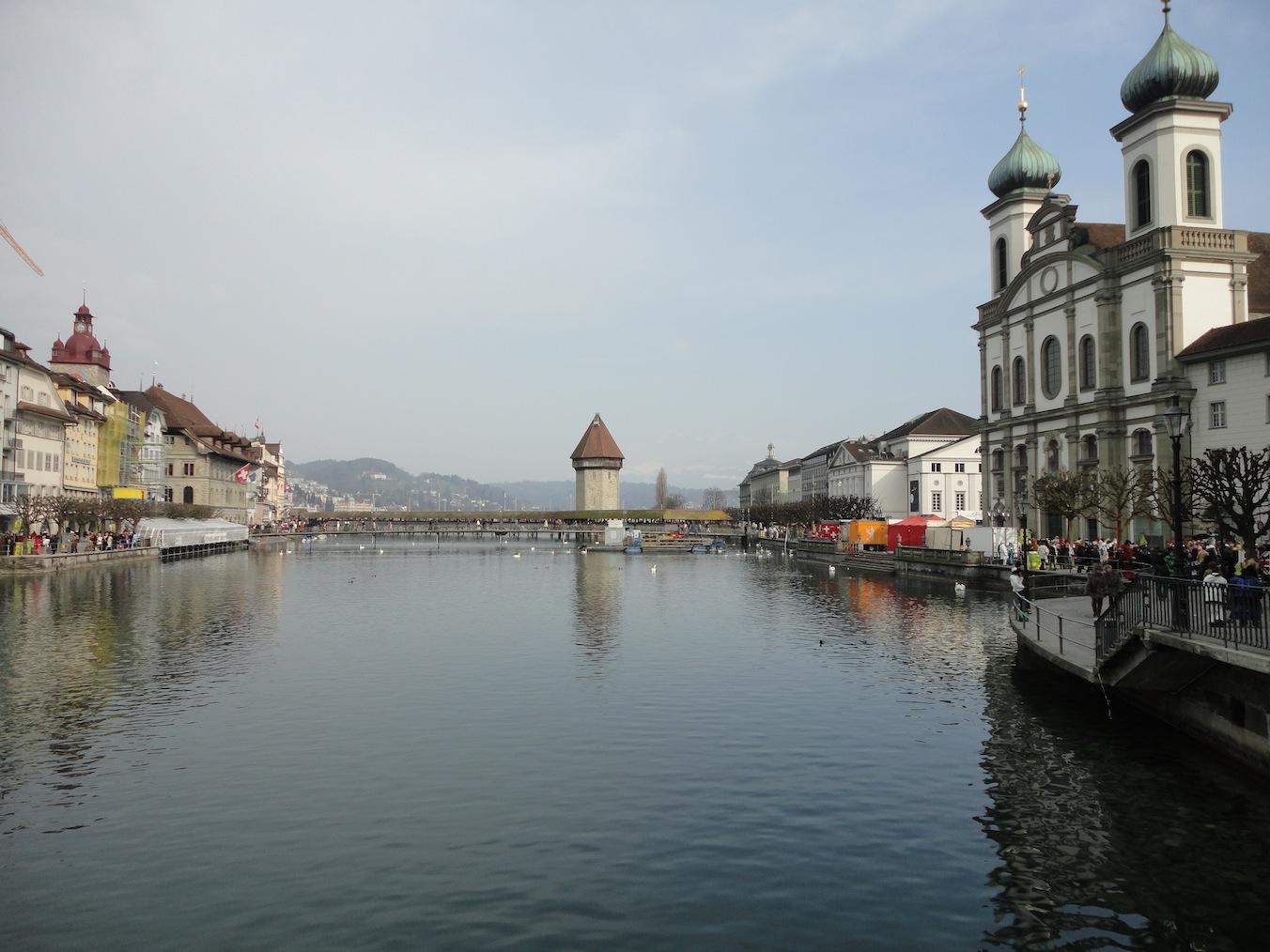 Kapellbrücke & Jesuitenkirche (Fasnacht)